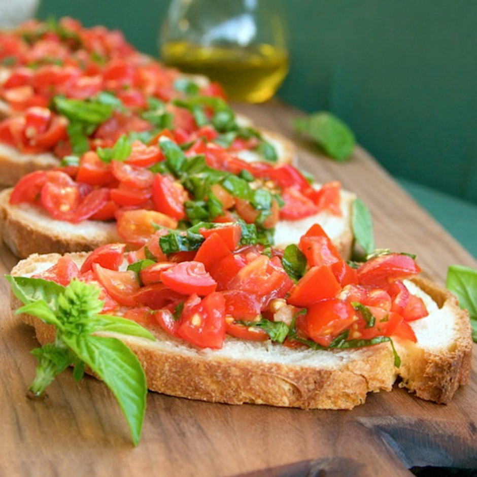 bruschetta-with-tomatoes-and-basil-recipe_gqmmh4
